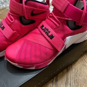 "Nike Shoes - Nike Zoom Soldier IX ""Think Pink"", Size 11.5"
